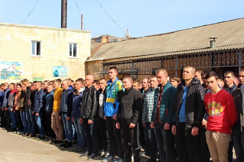 Цієї осені на Кіровоградщині планують призвати 615 юнаків - 1 - Життя - Без Купюр