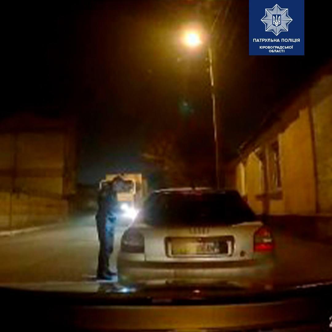 Без Купюр У Кропивницькому патрульні склали протоколи на трьох водіїв за повторне керування авто під дією наркотиків За кермом  протоколи Патрульна поліція наркотики авто