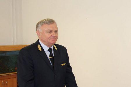 Звільнений 2 тижні тому начальник льотної академії Сергій Неділько повернувся на посаду