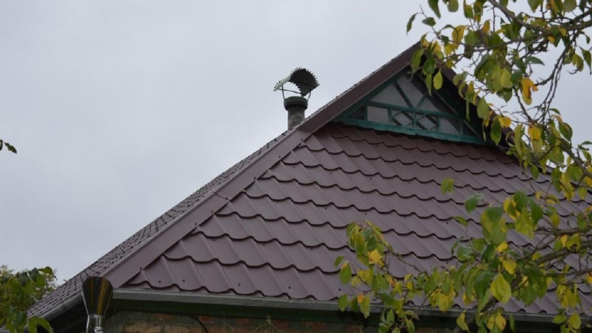 Батькам Миколи Метлінського, який торік помер від поранень, відремонтували дах будинку. ФОТО - 1 - Війна - Без Купюр