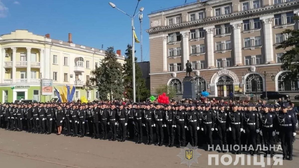108 курсантів з Кіровоградщини присягнули на вірність українському народові. ФОТО - 2 - Події - Без Купюр