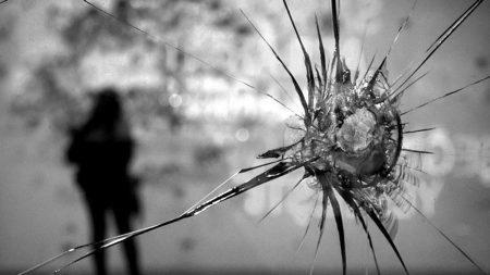 Двом учасникам обстрілу будинку прокурора в Кропивницькому повідомлено про підозру, одного – затримали