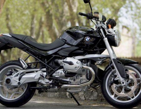 Поліцейські за добу знайшли мотоцикл іноземця та його викрадачів