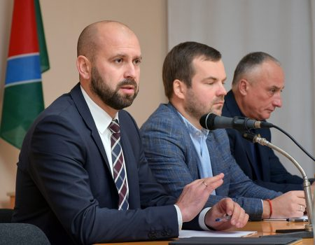 Нардепів від Кіровоградщини закликають підтримати децентралізаційні закони