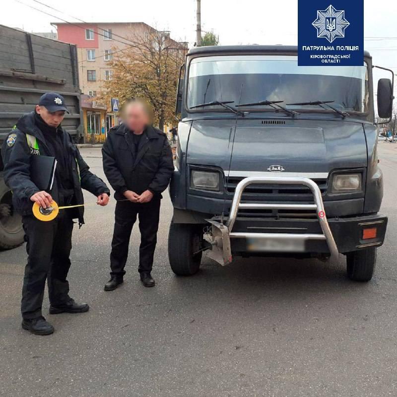 Без Купюр У Кропивницькому нетверезий водій спричинив потрійну ДТП. ФОТО За кермом  патрульні ДТП