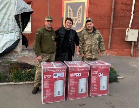 Сергій Притула зустрівся з кропивницькими  волонтерами та передав обладнання спецпризначенцям. ФОТО