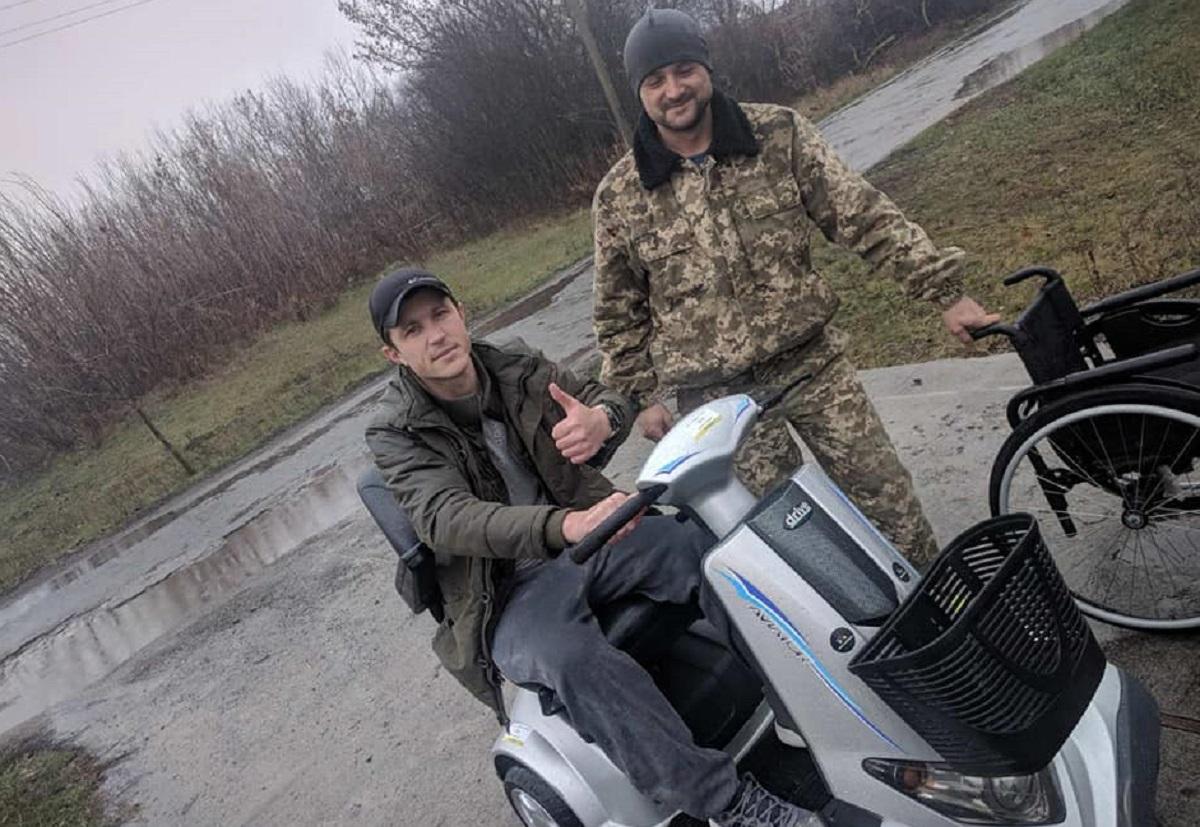 Без Купюр Небайдужі зібрали кошти на скутер Михайлові Берегі, який отримав тяжке поранення в АТО Благодійність  Михайло Берега волонтери ветеран АТО Армія SOS