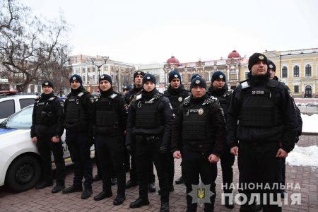 У Кропивницькому поліцейські разом з нацгвардійцями заступили на спільне патрулювання міста. ФОТО