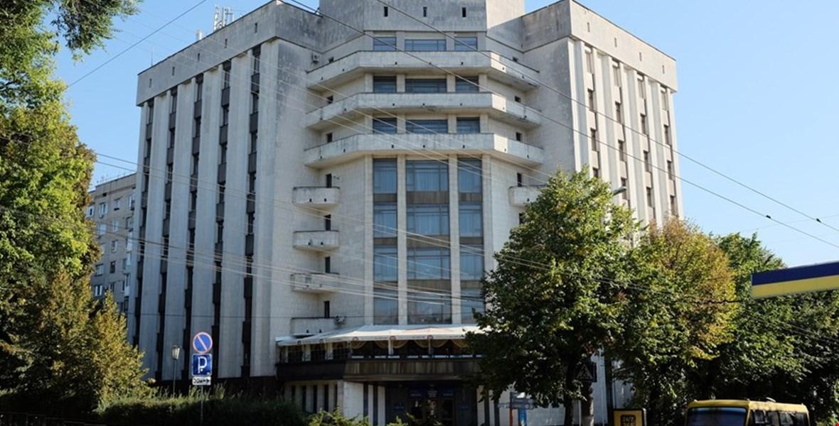 """Без Купюр У Кропивницькому закрили готель """"Європа"""", не попередивши працівників Події  Кропивницький готель Європа"""