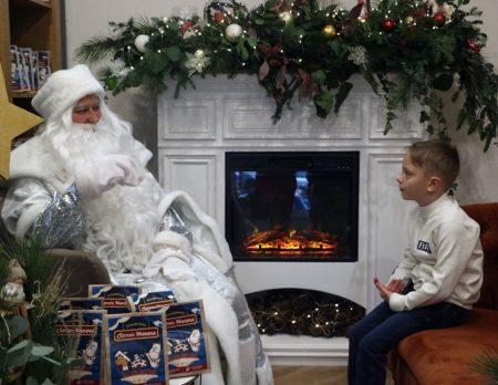 """""""Щоб створити дітям свято"""", в Кропивницькому відкрили резиденцію Святого Миколая. ФОТО"""