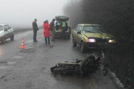 У Новомиргородському районі через туман автівка збила мопедиста. ФОТО