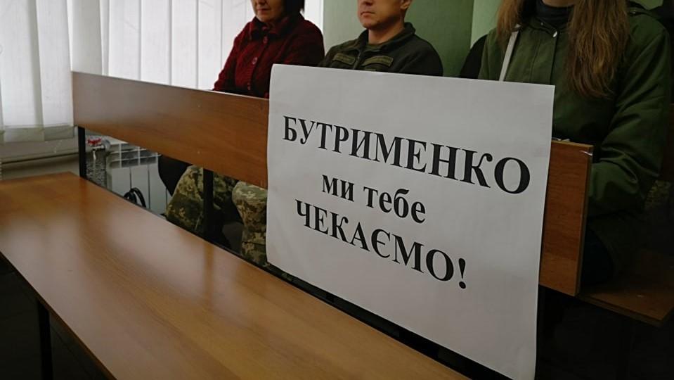 Без Купюр Обвинуваченого у причетності до вбивства 10 спецпризначенців 3-го полку обміняють на наших полонених Війна Україна сьогодні  третій полк спецпризначення військовополонені