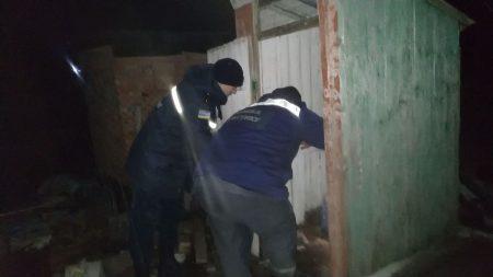 На Кіровоградщині жінка провалилася у вигрібну яму