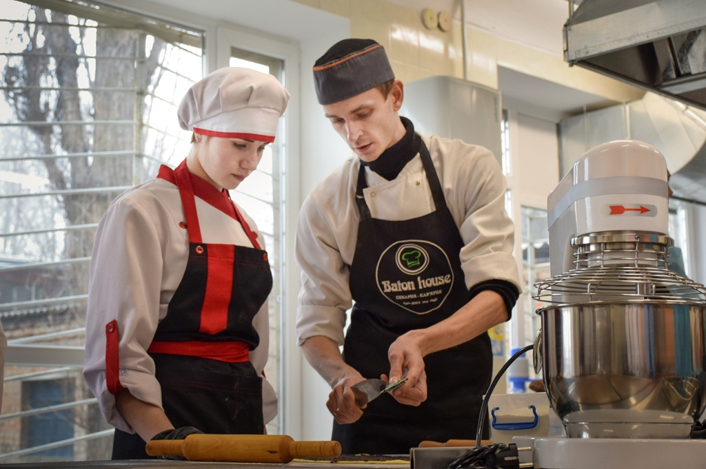 Без Купюр Кропивницький: у коледжі харчування та торгівлі презентували модернізовану кухню лабораторію Освіта  техніка Кропивницький коледж 2020 рік