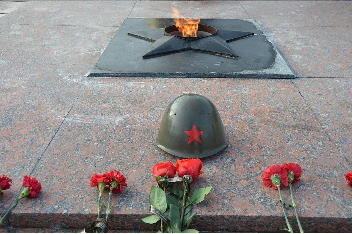 Без Купюр У Кропивницькому відзначили 76-ту річницю визволення міста від німецьких загарбників Події  річниця Кропивницький Друга світова війна 2020 рік