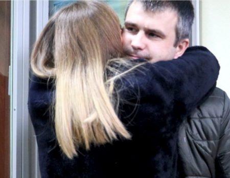 Після 2 років утримання в СІЗО, обвинуваченого в шахрайстві депутата відпустили під домашній арешт. ВІДЕО