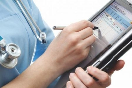 З квітня в Україні планують запровадити електронні лікарняні
