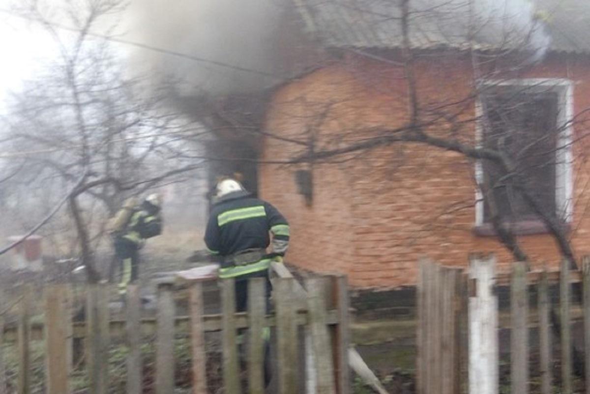 Без Купюр На Кіровоградщині під час гасіння пожежі знайшли тіло чоловіка Події  рятувальники пожежа ДСНС 2020 рік