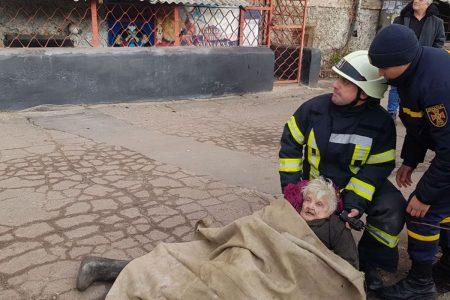 Пожежа в Кропивницькому: врятували немічну бабусю. ФОТО