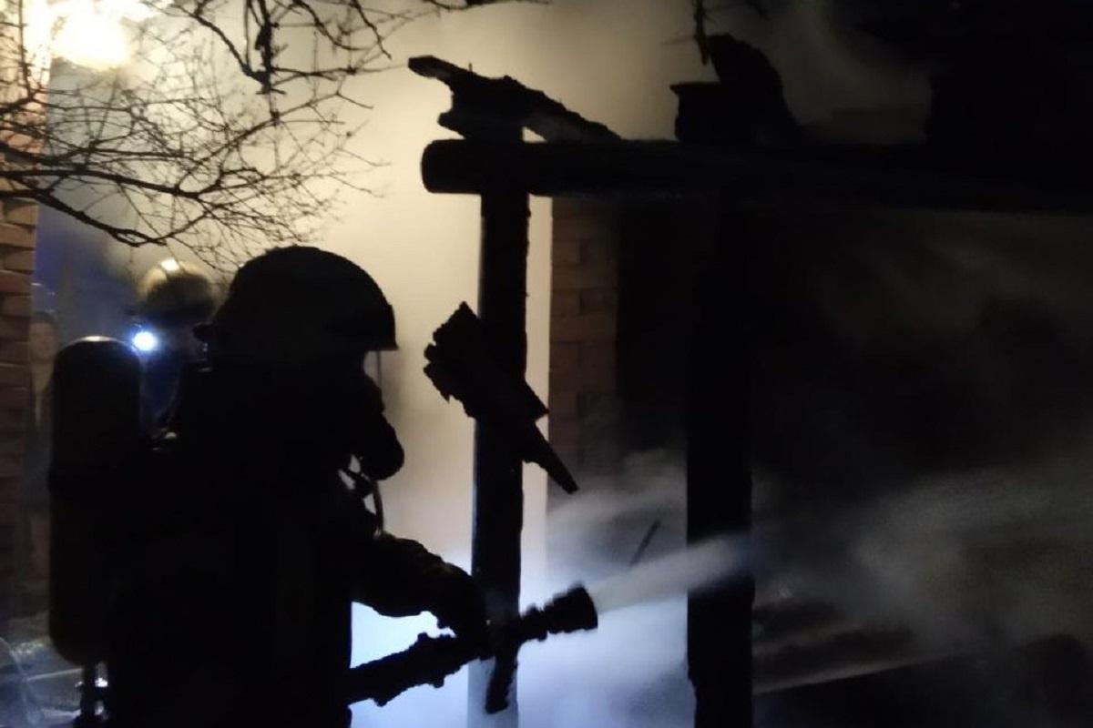 Без Купюр Під час гасіння пожежі у Кропивницькому знайшли тіло чоловіка Події  пожежа ДСНС 2020 рік