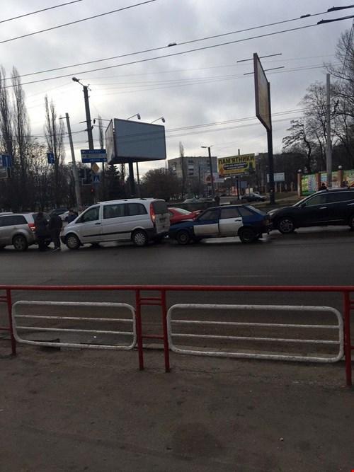 Без Купюр У Кропивницькому сталась потрійна ДТП. ФОТО Життя  ДТП вулиця Тельнова 2020 рік