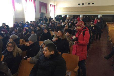 Люди зібралися – нардепа немає: попри домовленість, Євген Брагар не приїхав в Аджамку