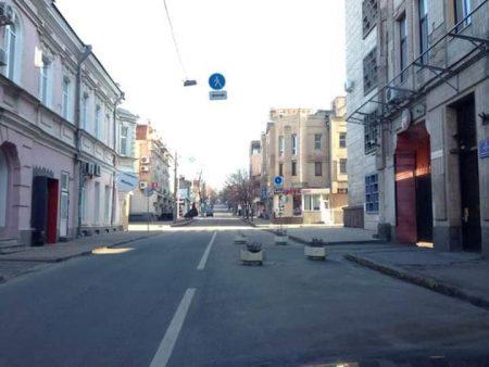 ОДА не має стосунку до бетонних вазонів, якими перегородили дорогу в Кропивницькому
