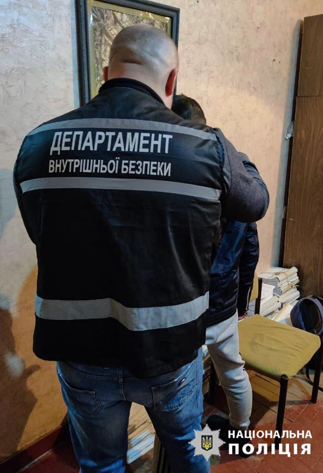 Без Купюр У Кропивницькому затримали чоловіка, який стріляв у патрульних. ФОТО Кримінал  стрілянина внутрішня безпека поліції 2020 рік
