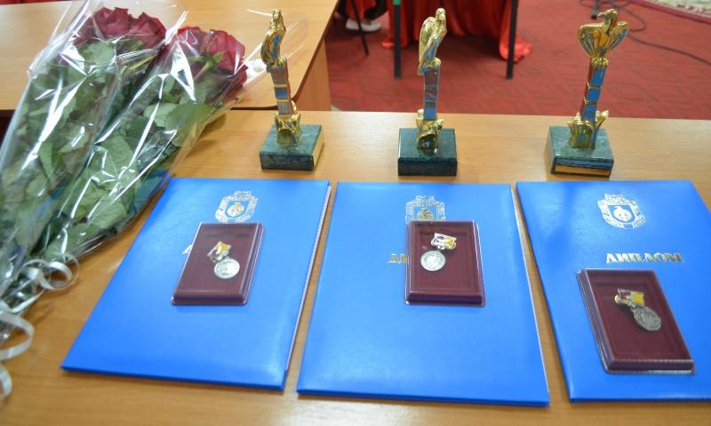 Без Купюр У Кропивницькому вручили літературну премію імені Євгена Маланюка Події  премія обласна премія імені Євгена Маланюка 2020 рік