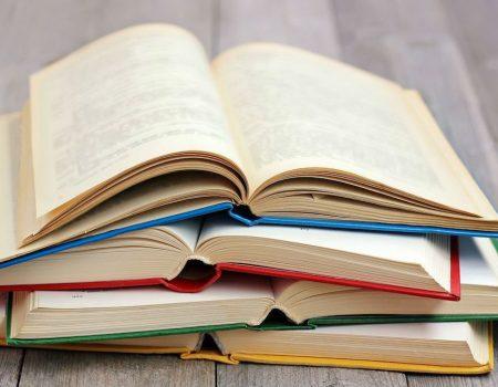 У Кропивницькому продають книги, щоб придбати медобладнання для учасника АТО