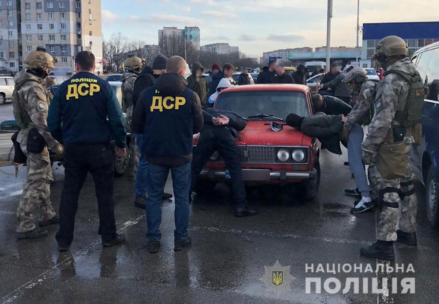 Без Купюр У Кропивницькому правоохоронці затримали групу вимагачів. ВІДЕО Кримінал  Національна поліція корд вимагання 2020 рік