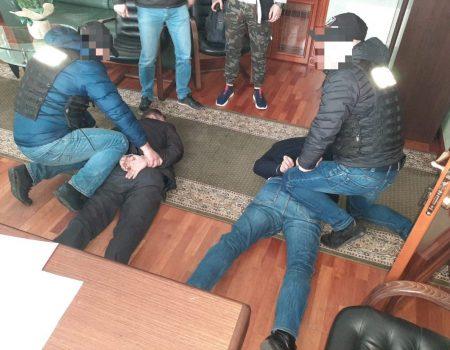 Правоохоронці Кіровоградщини викрили злочинну групу на чолі з посадовцем Мінюсту