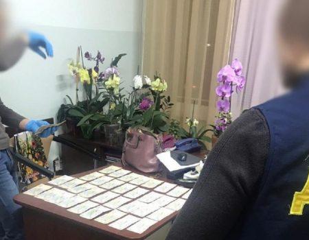 """На Кіровоградщині викрили посадовців одного з управлінь, які вимагали від медпрацівників """"відкат"""""""