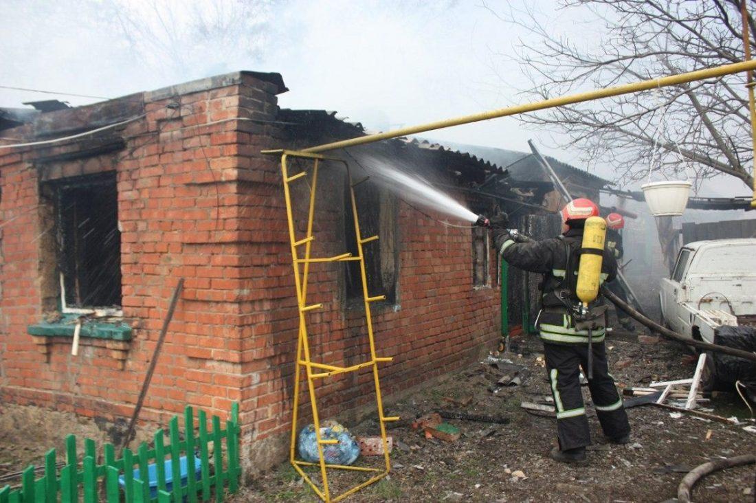 Без Купюр У Кропивницькому під час пожежі постраждав чоловік Події  пожежа ДСНС 2020 рік