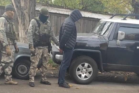 Без Купюр На Кіровоградщині викрадачі елітних автівок постануть перед судом За кермом  суд поліція викрадення авто 2020 рік