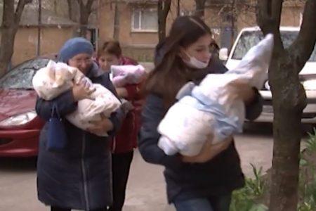 Чотирьох близнючок, які народилися у Кропивницькому в березні, виписали з перинатального центру. ВІДЕО