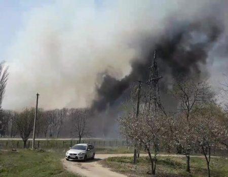 """""""Екостайл"""": ймовірна причина пожежі на сміттєзвалищі в Кропивницькому – спалювання трави. ВІДЕО"""