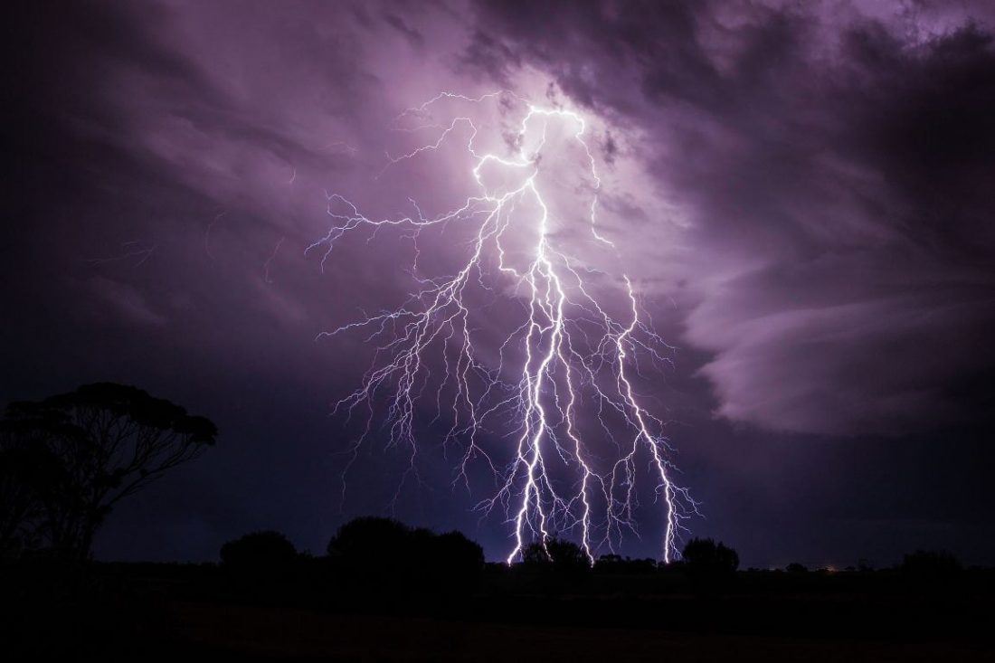 Без Купюр Синоптики попередили про грозу на Кіровоградщині Погода  обласний центр гідрометеорології Кіровоградщина гроза 2020 рік