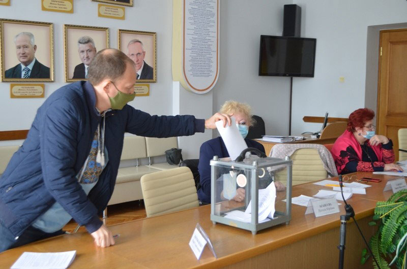 Без Купюр Стали відомі переможці обласної краєзнавчої премії імені Володимира Ястребова Iстфактор  номінації Конкурс історик голосування 2020 рік