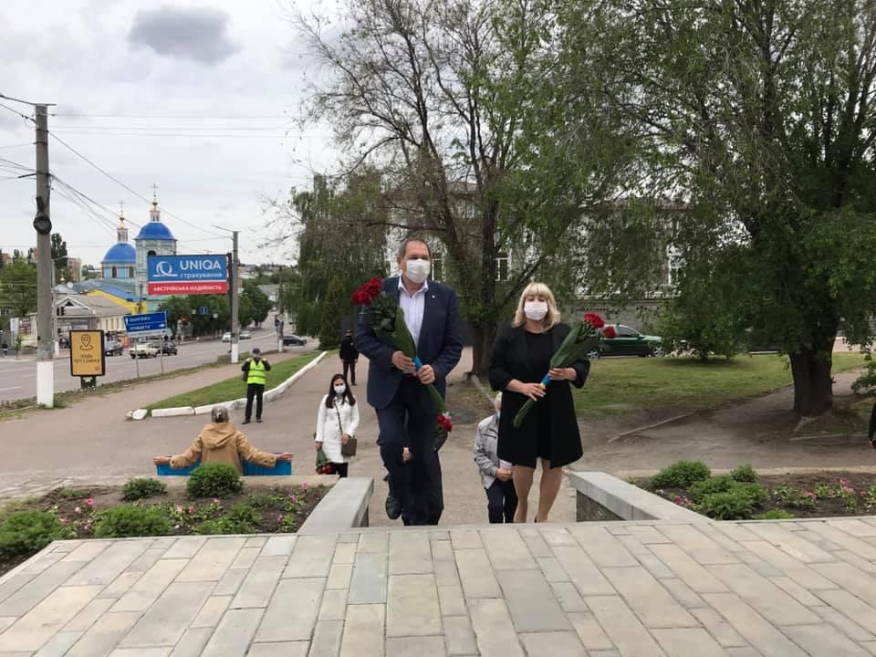 Без Купюр У Кропивницькому вшанували пам'ять жертв політичних репресій. ФОТО Події  політичні репресії вшанування 2020 рік