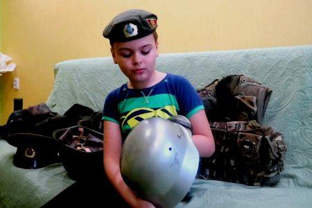 9-річний школяр із Кропивницького веде відеоблог на військову тематику. ФОТО. ВІДЕО