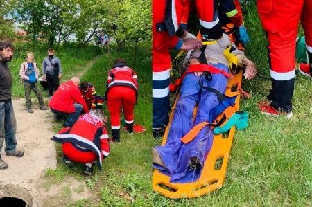 У Кропивницькому дістали жінку, яка впала в люк теплотраси і пролежала там три дні. ВІДЕО