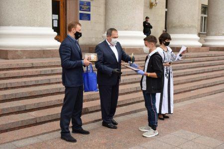 """У Кропивницькому школярів нагородили премією """"Дитина року"""""""