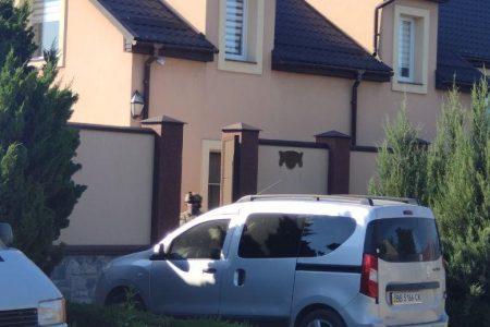 У будинку, де мешкає голова ОДА Андрій Балонь в Кропивницькому, пройшли обшуки. ФОТО. ВІДЕО