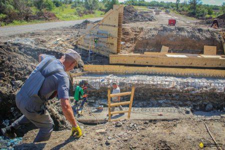 У Новгородківському районі Кіровоградської області капітально ремонтують міст. ФОТО