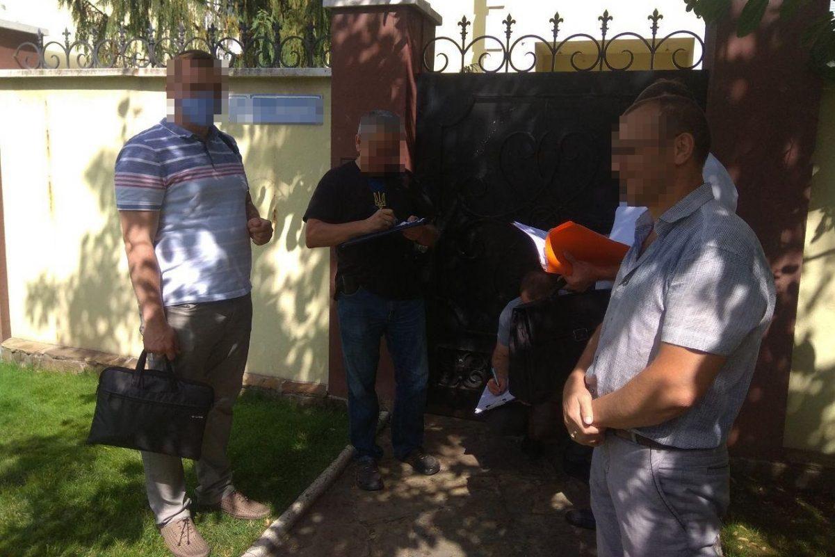 Без Купюр На Кіровоградщині депутата однієї із міськрад підозрюють у розтраті чужого зерна Кримінал  корупція зерно 2020 рік