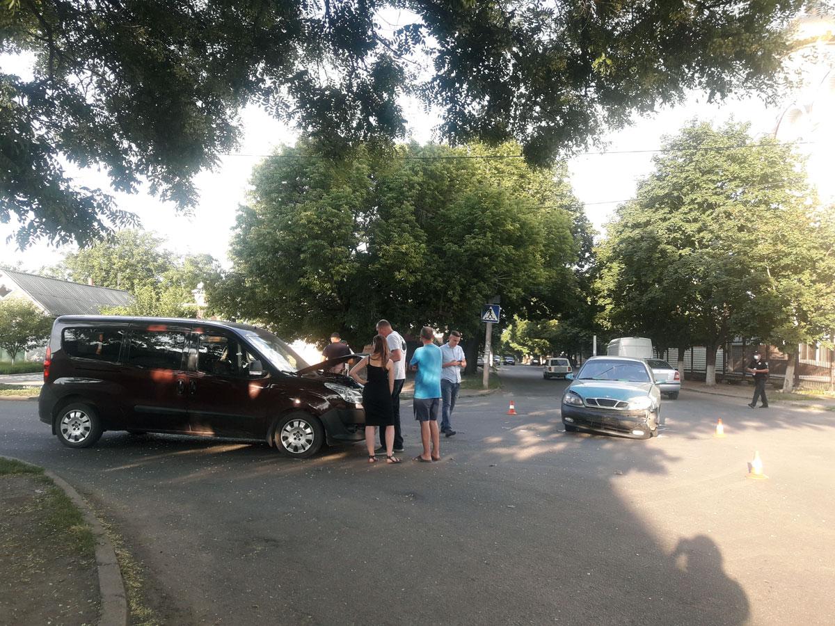Без Купюр У Кропивницькому через ДТП годину було ускладнено рух на Балашівці. ФОТО. ВІДЕО За кермом  патрульні ДТП Балашівка 2020 рік