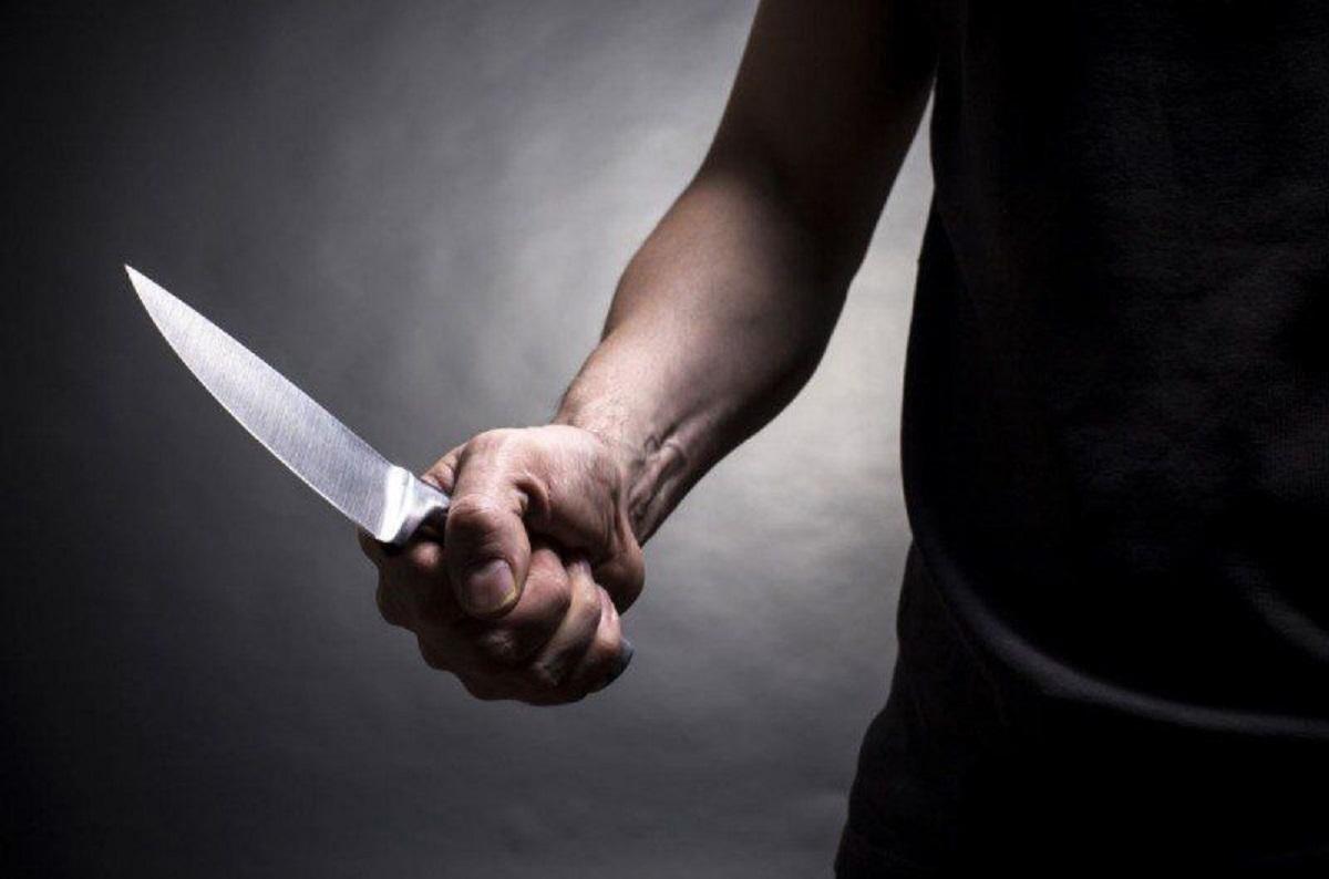 Без Купюр У Кропивницькому районі син ударив ножем батька Кримінал  новини Кіровоградщина замах 2021 рік