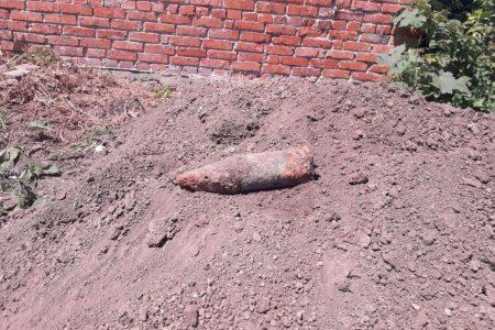 Кіровоградщина: селяни викопали артснаряди часів Другої світової війни. ФОТО