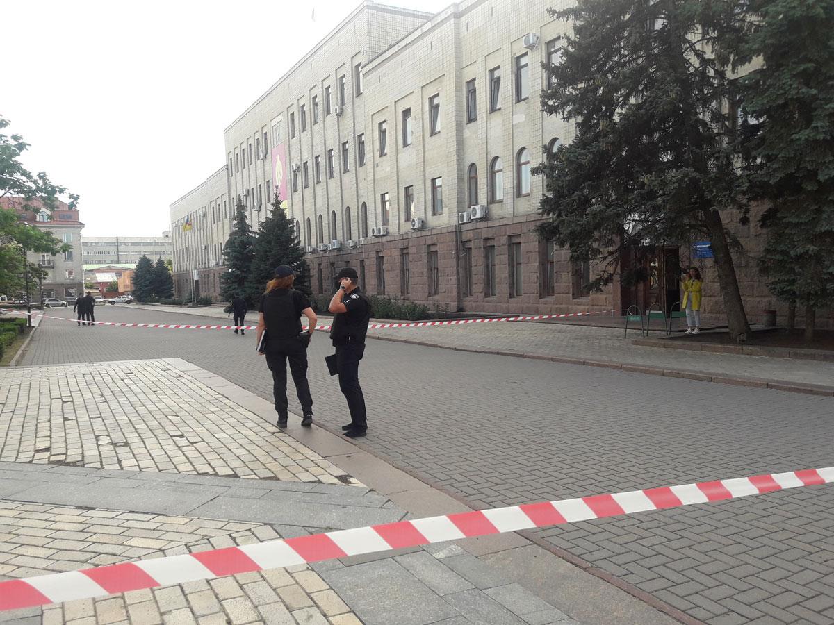 Без Купюр Інформація про замінування площі в Кропивницькому не підтвердилася Події  площа героїв майдану замінування 2020 рік